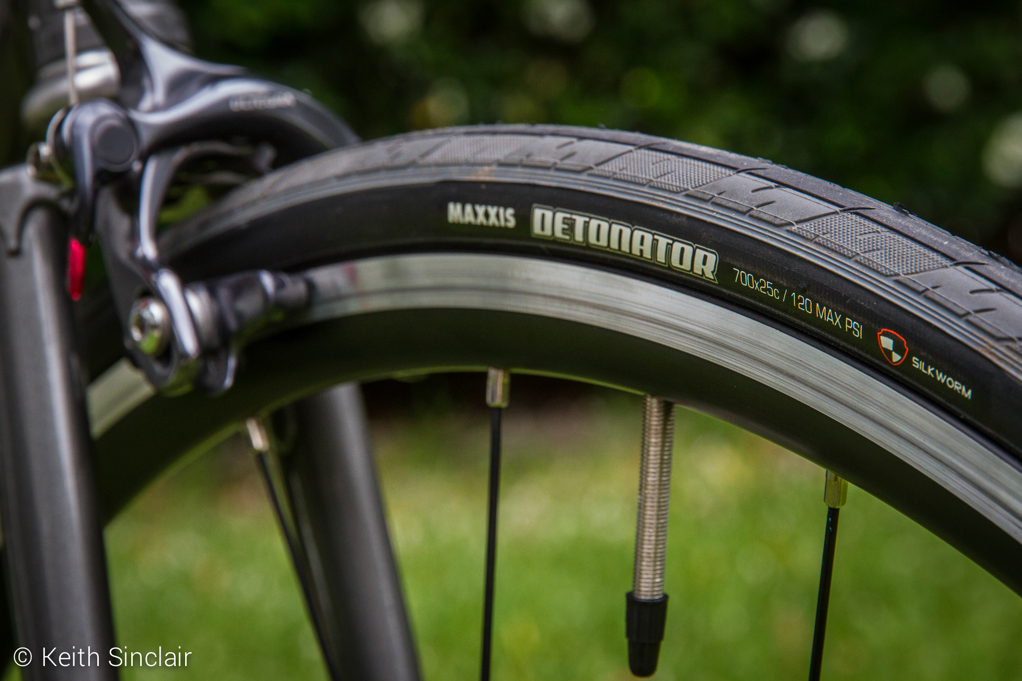 Maxxis Detonator 700 x 25c Tyres